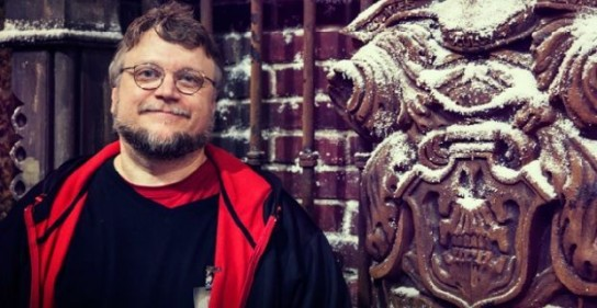 Guillermo-Del-Toro-Crimson-Peak-door